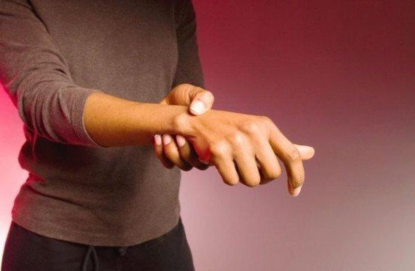 Artrite psoriasica: cos'è, quali sintomi e ruolo della dieta