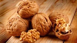 La noce: frutto a guscio per la longevità